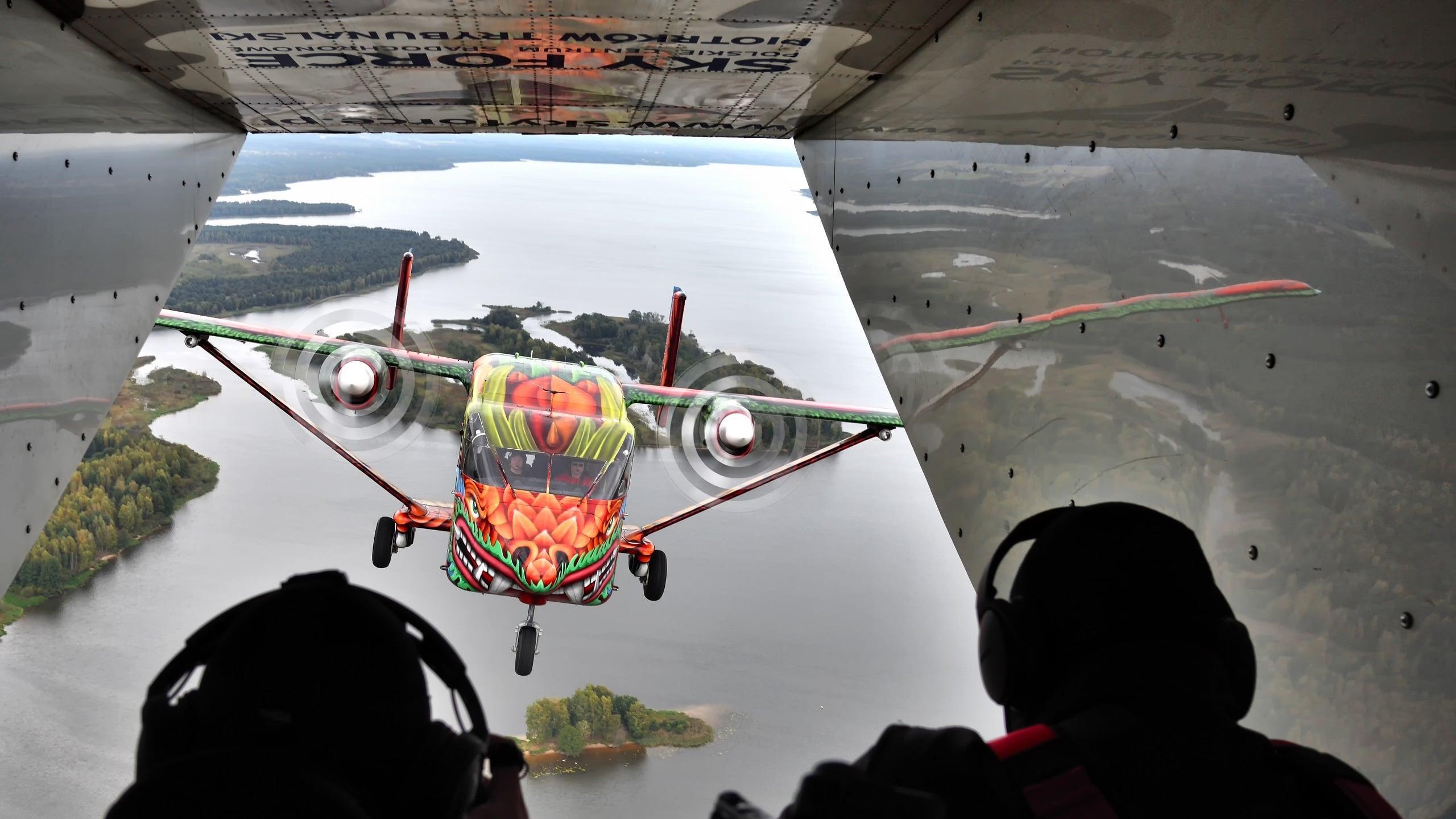 4 s - Samolot